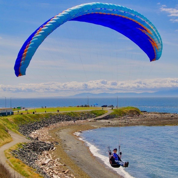 Paragliding and Hang-gliding around Victoria | Visitor In Victoria