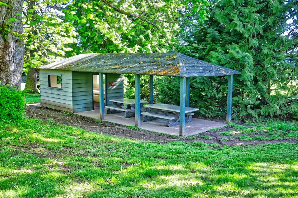 Covered picnic shelter in Dominion Brook Park, Victoria, BC, Visitor in Victoria, Picnic spots in Victoria