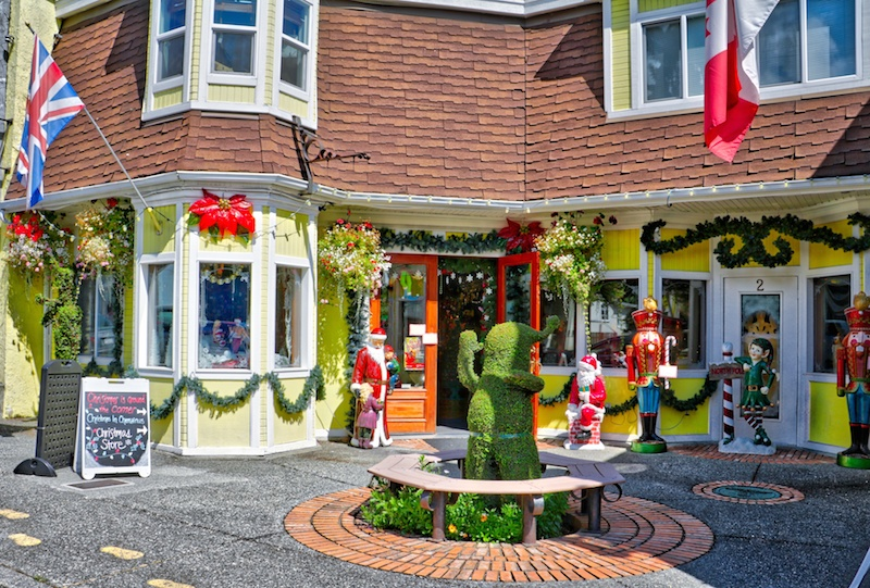Christmas Shop in Chemainus, BC  Visitor in Victoria