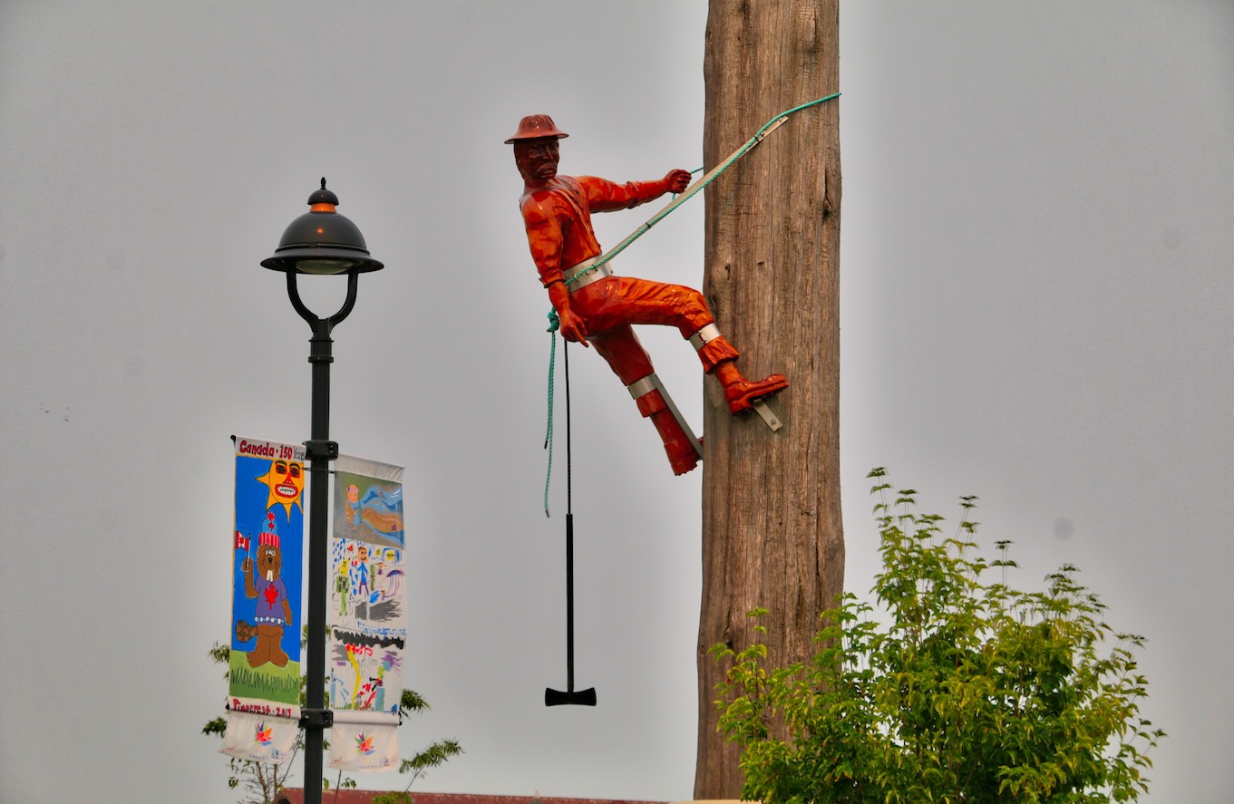 Sculpture Celebrating Campbell River's Logging History