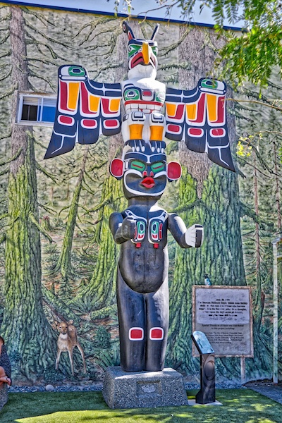 Totem Pole in Duncan, BC Visitor in Victoria