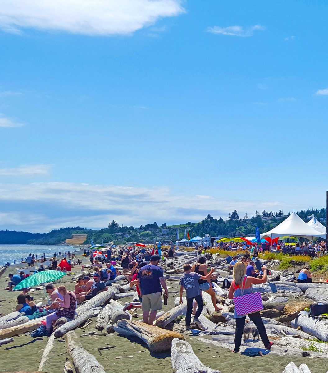 Eats and beats at the beach, Colwood, BC